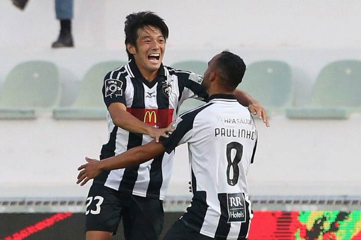 Nakajima e Paulinho